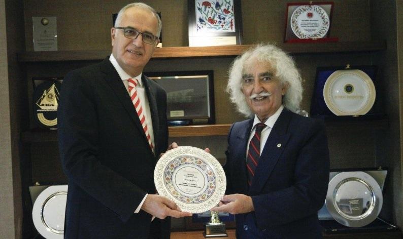 Mehmet Akif Üstündağ ve Filenin Sultanları'na ödül